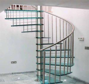 راه پله شیشه ای